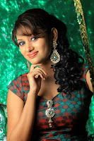 Actress Oviya