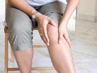 ستة أنواع من الأطعمة لتخفيف الأم مفصل الركبة