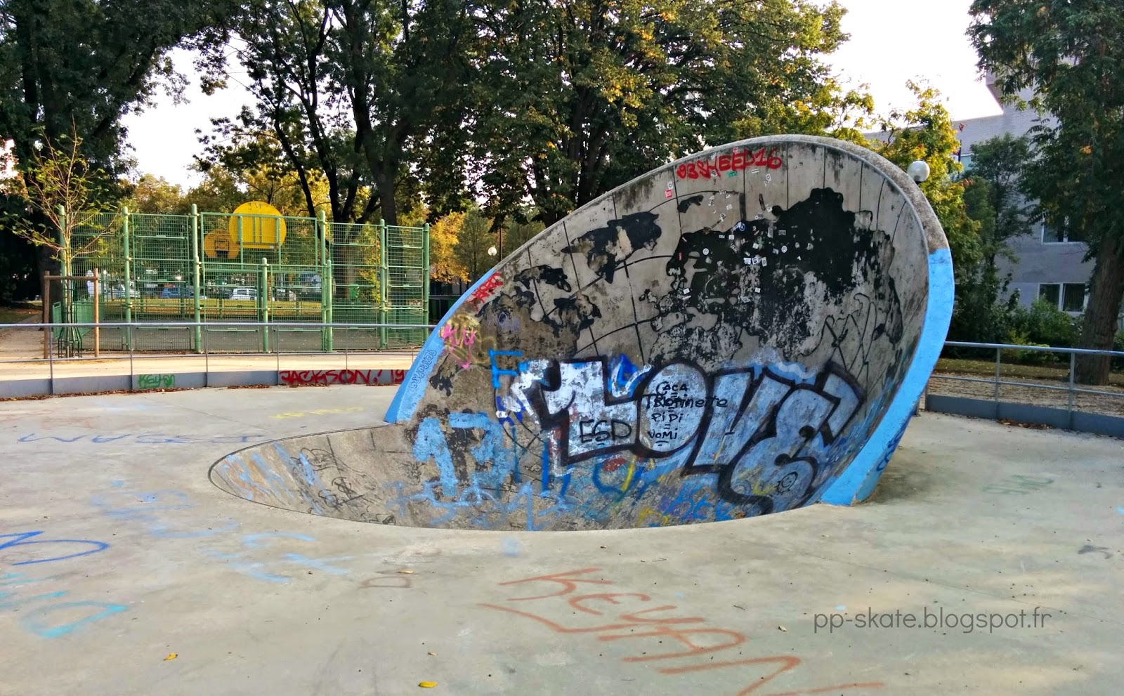 Skatepark paris craddle porte italie