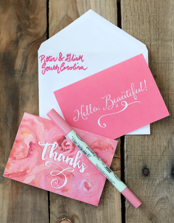 Free Printable Notecards--Send snail mail with style by downloading these free girly cards from pitterandglink.com.
