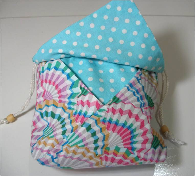 Quilting Purse Patterns Free : Quilt Inspiration: Free pattern day: purses, handbags and zipper bags