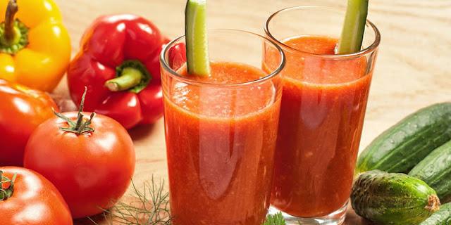 Awet Muda dengan Minum Jus Tomat