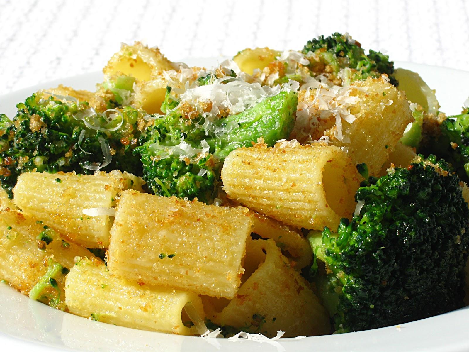 All That Splatters: Rigatoni with Broccoli, Garlic & Breadcrumbs