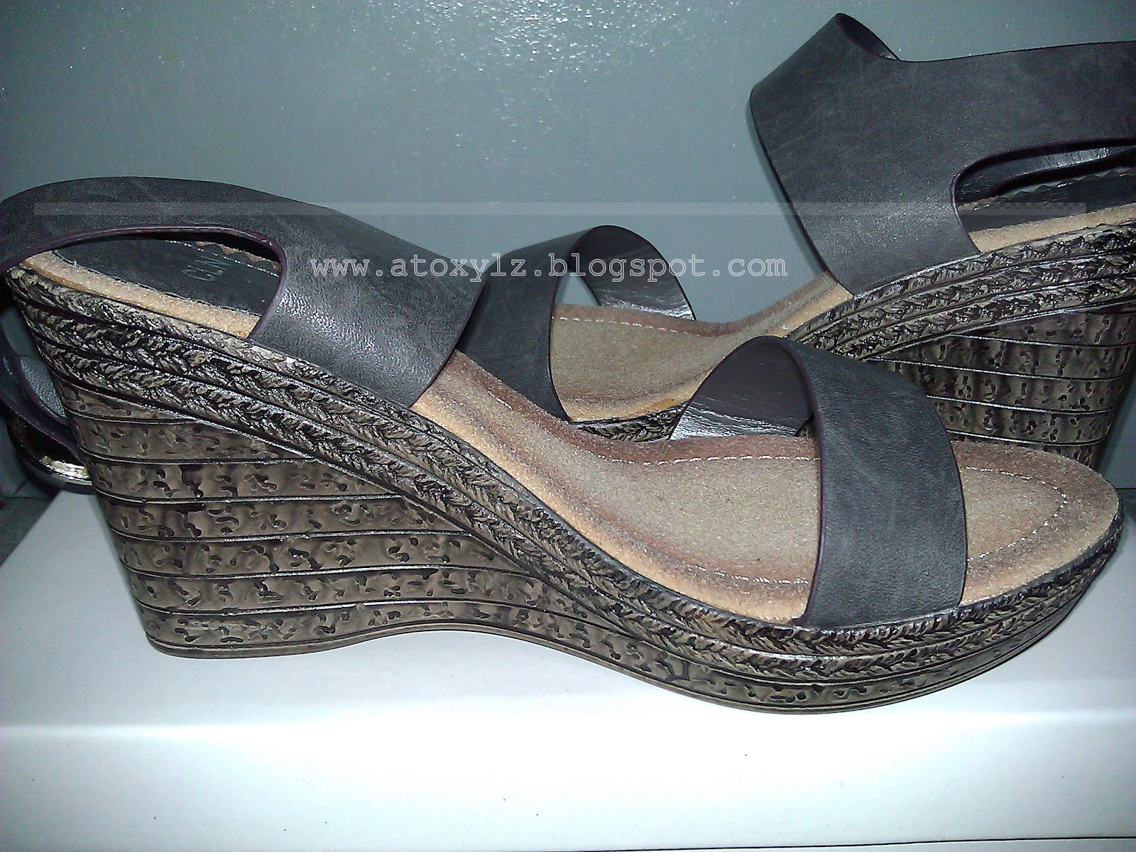 Cln shoes sandals philippines - This Is 12g Chaitra In Dark Gray From Their October 2012 Collection This Comes With A Tan And Pinkish Nude Colors