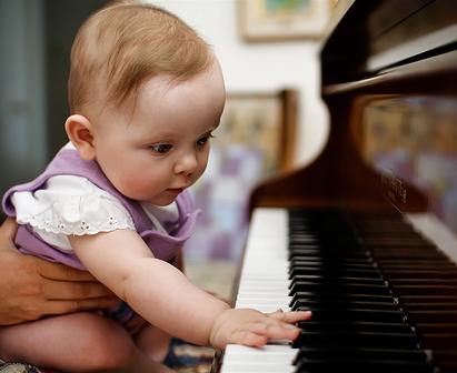 Los bebés crecen mejor con la música