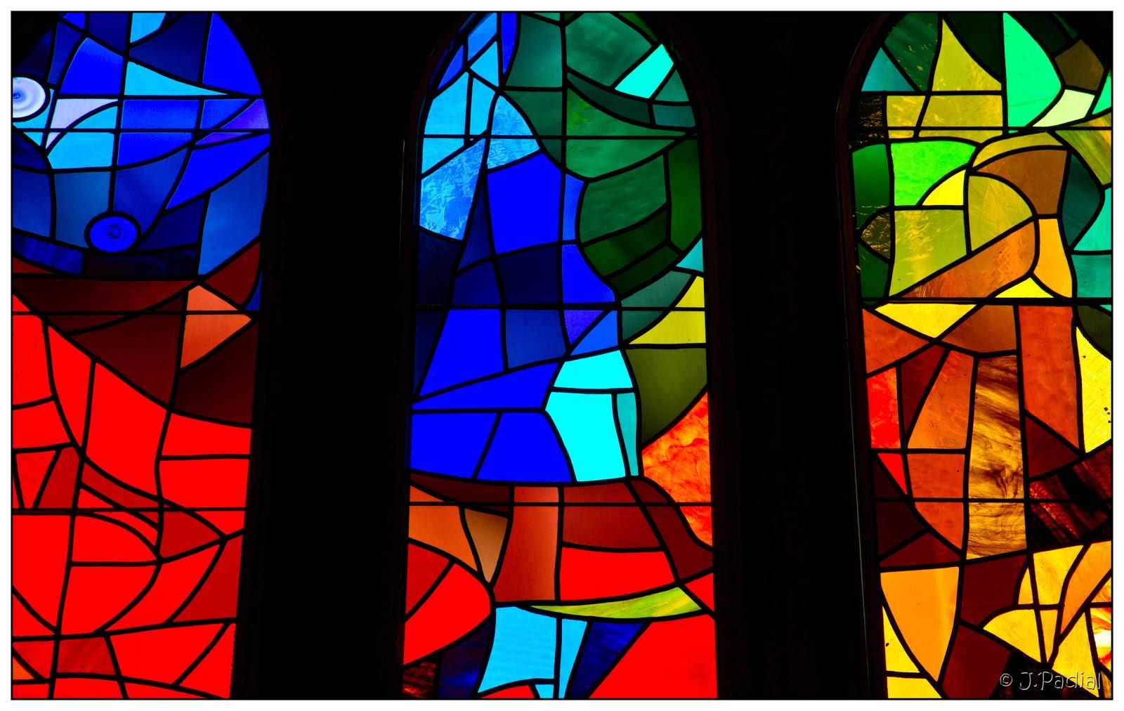 Caj n de fotos vidrieras sagrada familia - Vidrieras de colores ...