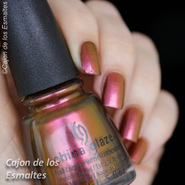 China Glaze - Cabin Fever - swatches