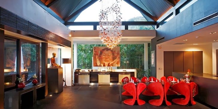 Dining room and kitchen in an Amazing contemporary Villa Yin in Phuket