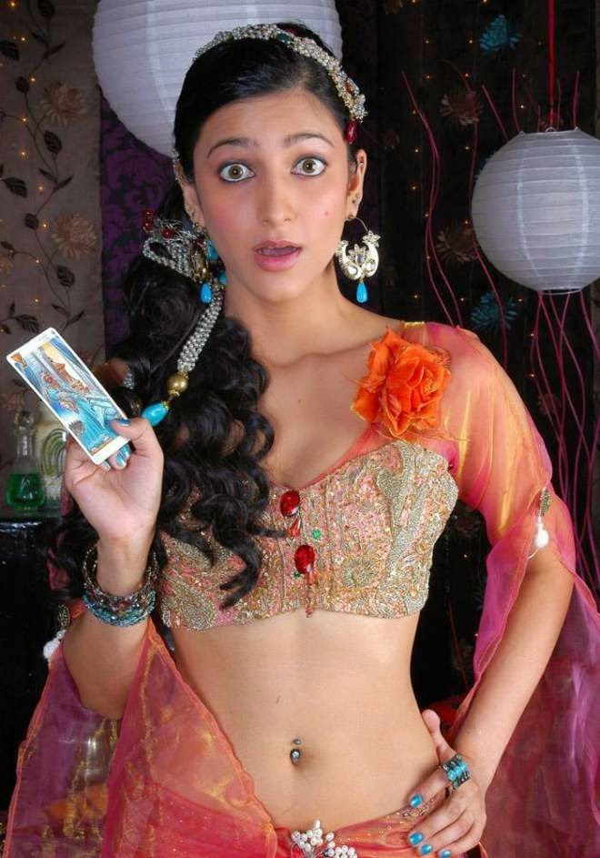Shruti Hassan Hot Navel Show Photos