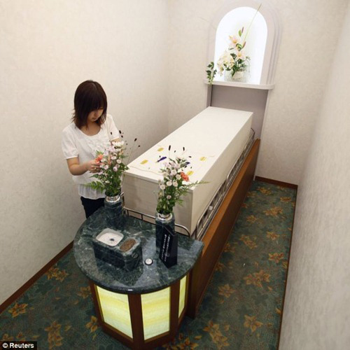 Hotel Khusus Orang Mati