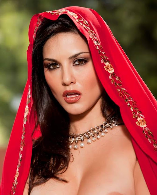 hot hollywood  celebrity sunny leone hot sexy bikini pics pictures