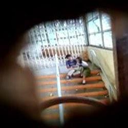 Novinha Caiu na Net Flagrada Dando na Escola a Buceta - http://www.pornointerativo.com