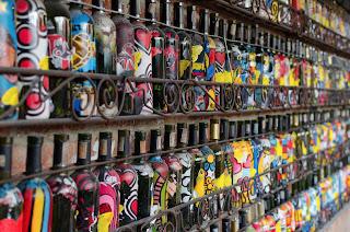 Colección de Botellas decoradas en el restaurante Andrés Carne de res de Chía