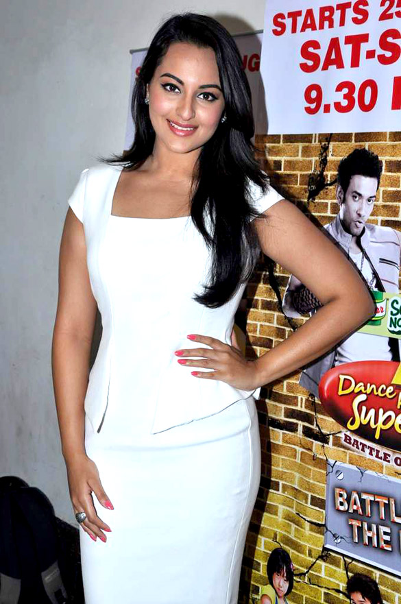 Sonakshi Sinha promotes 'Joker' movie on sets of Li'l Masters Reality show
