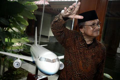 Pesawat R80 BJ Habibie Bisa Langsung Mengudara Tahun 2016