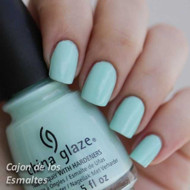 China Glaze - At vase value - Sombra