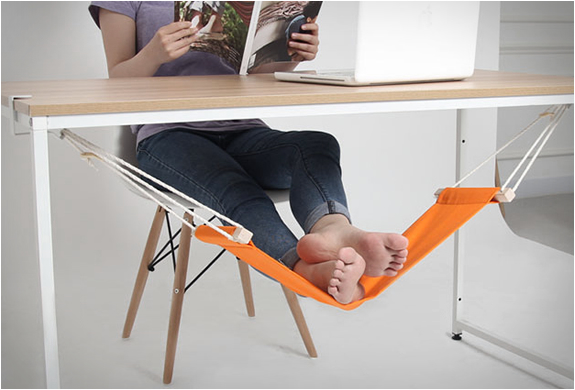 foot stools ottomans whatever you may use at your personal desk may be getting the job done but what about something totally different  todayshype  fuut   under desk foot hammock  rh   todayshype