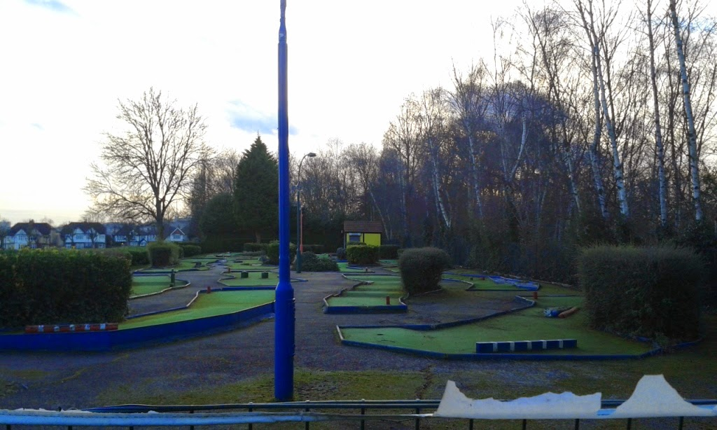 Mini Golf at Broomfield Park in Palmers Green, London