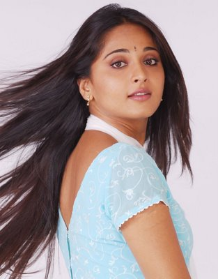 anushka in photos