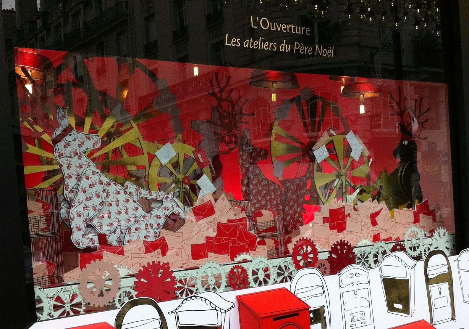 #B3181B Entre Nous Soie Dit : Vitrines De Noël Le Bon Marché  5347 décorations de noel bon marché 1586x1111 px @ aertt.com
