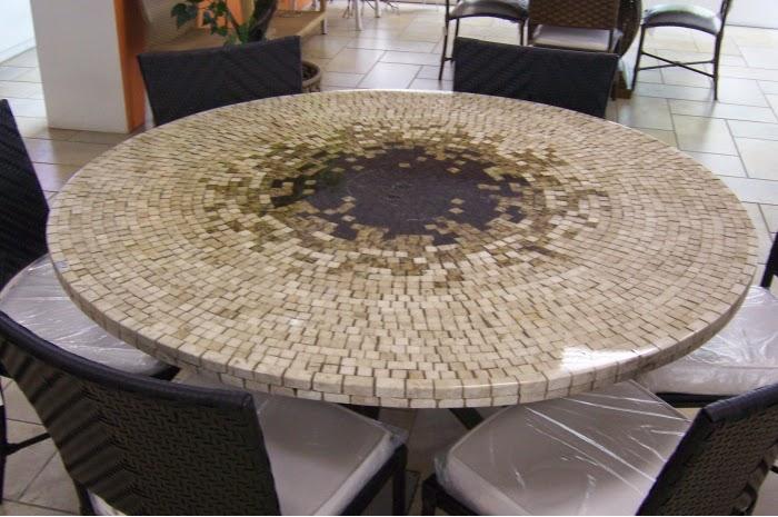 Resinatto design mesa de mosa co de m rmore resinado for Mesas de mosaico