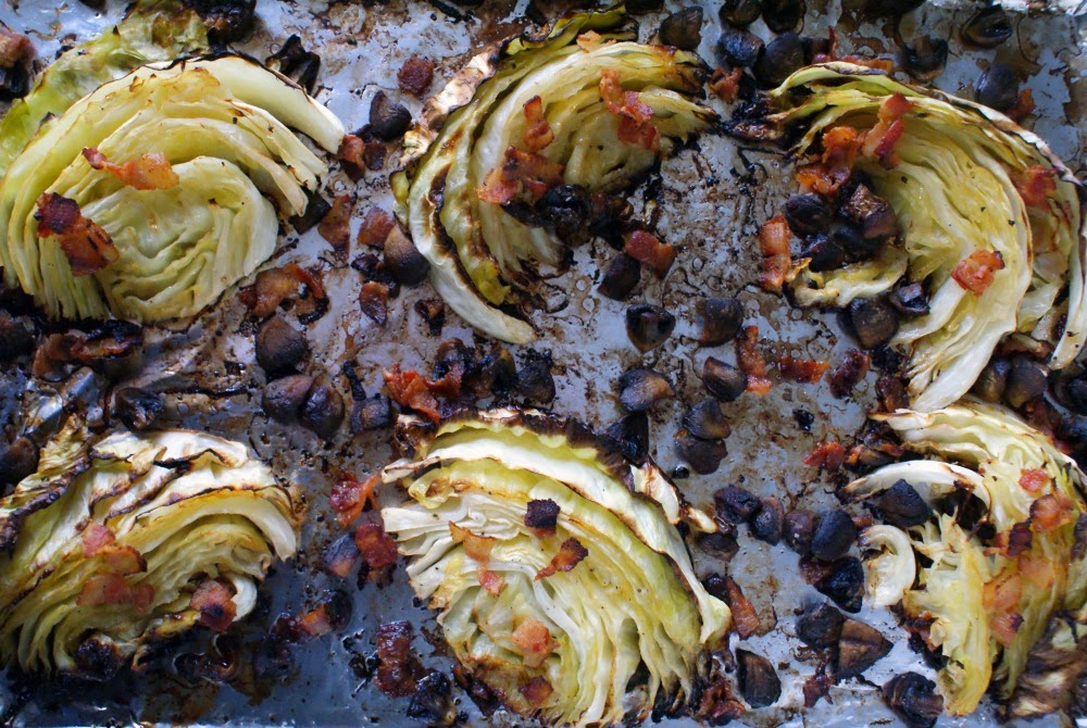 Roasted Cabbage with Mushrooms and Bacon | thetwobiteclub.com