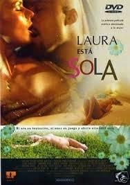Laura esta Sola