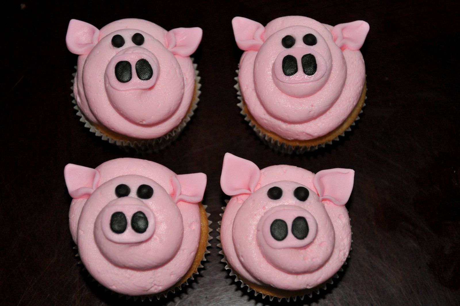 Sweet Cakes Pig Cupcakes