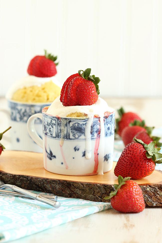 Быстрый пирог с клубникой  Выпечка сладкая