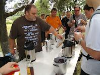 En acabar: cafè, llet i gotes
