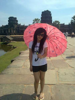 Oun Ko Komhoch facebook girls 18