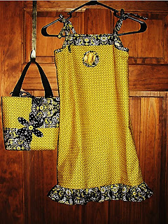 dress+and+handbag+ensemble.jpg
