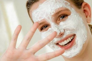 Natural mask for the skin prone to acne