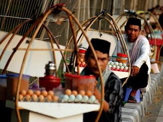 Sejarah Kuliner Khas Betawi (Jakarta)-Kerak Telor