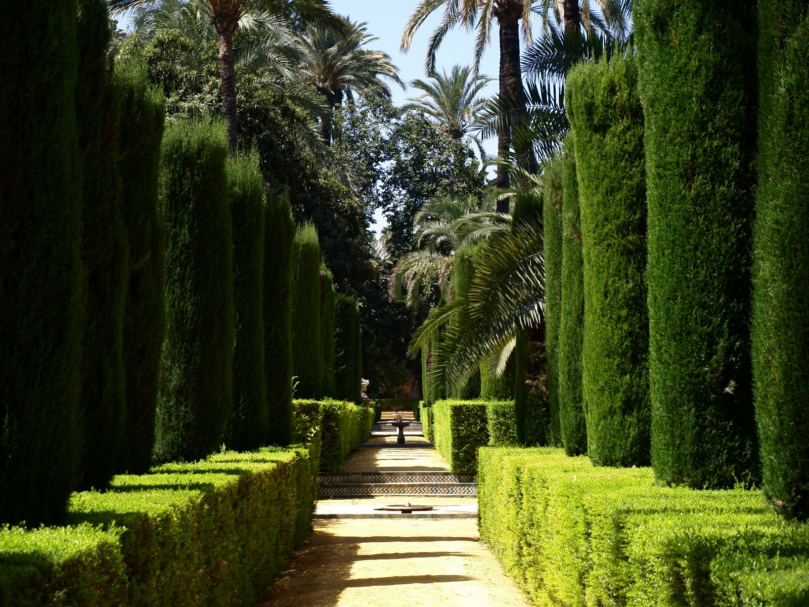 sevilla daily photo alc zar 36 el jard n de los poetas On jardines sevilla