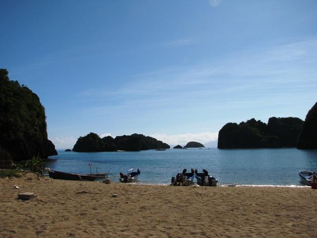 GOTA VILLAGE Caramoan Peninsula, CARAMOAN ISLAND, caramoan bicol, caramoan camarines sur
