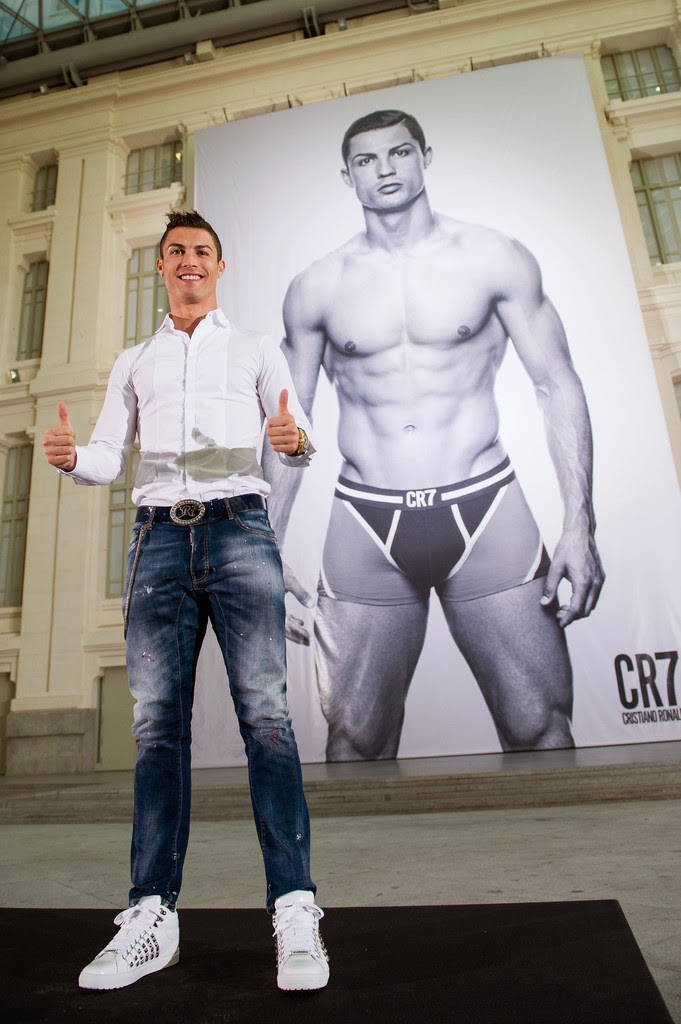 Cristiano ronaldo presenta su l nea de ropa interior en madrid blog del real madrid - Ropa interior real madrid ...