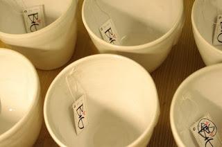 vita muggar med hjärta i keramik, utan handtag