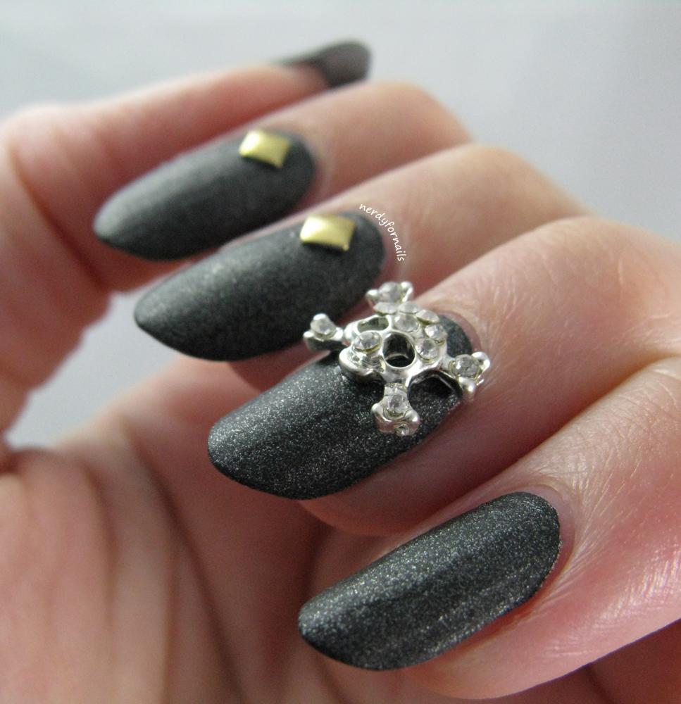 Nerdy for Nails: Blingy Halloween Skulls