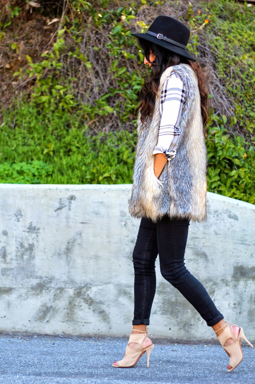 how to style fur vest, target style, fashion, pursuit of shoes, rails top