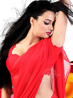 shweta-tiwari-hot_red-saree