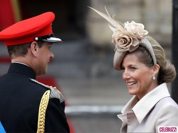 kate middleton fascinator hat. Move Over Kate Middleton!