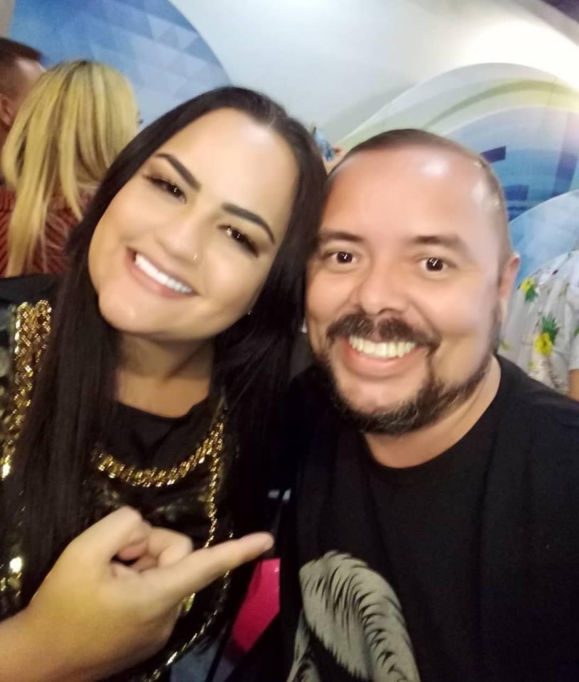 Um clique com a cantora Mara Pavanelly