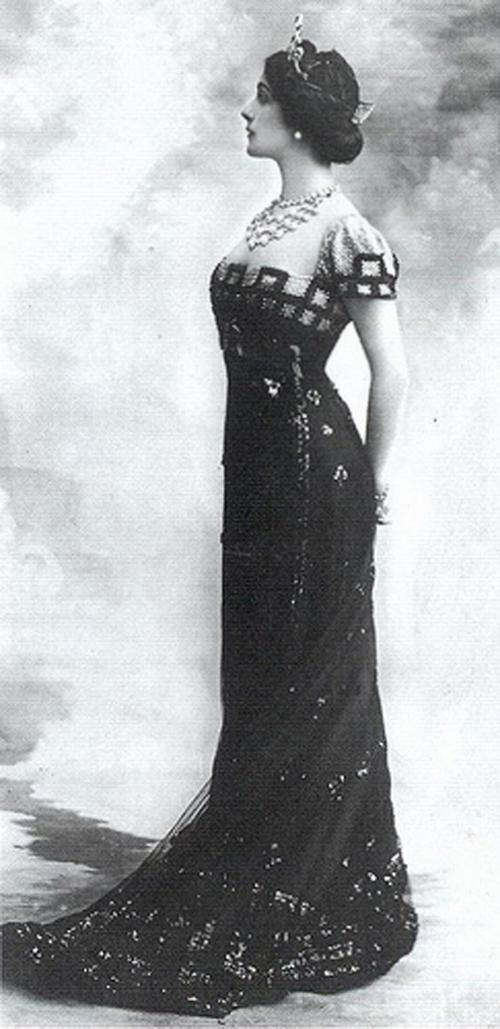 Prom poll! Lina+Cavalieri+in+1910