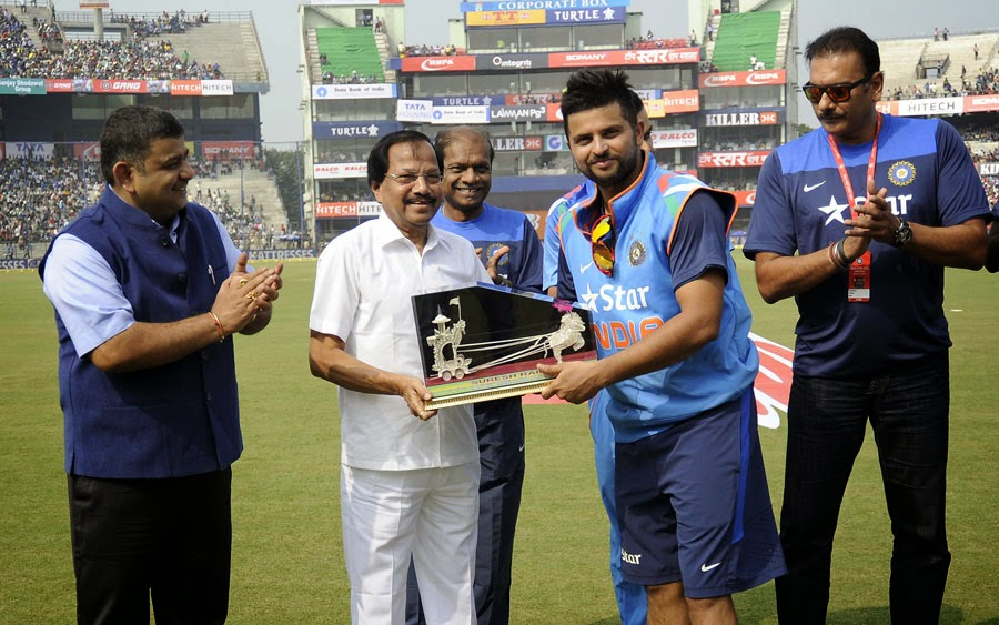 Suresh-Raina-200th-ODI-India-vs-Sri-Lanka-ODI-Series-2014