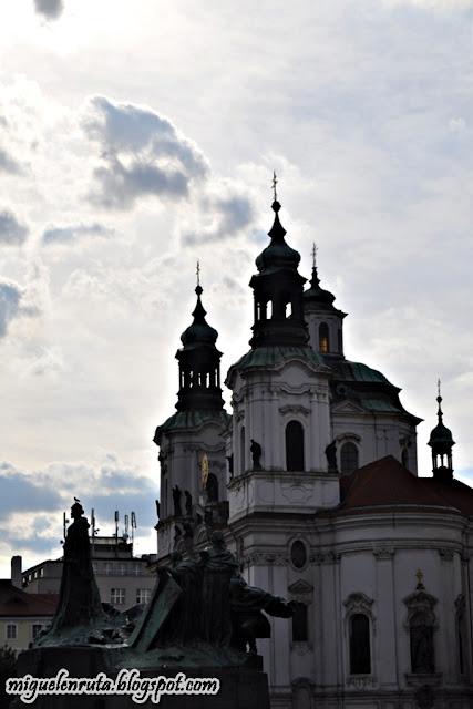 Praga-Jan-Hus-San-Nicolás