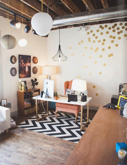 interior design gold wall