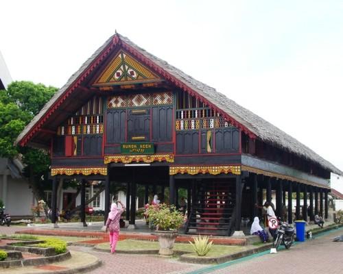 Download this Aceh Dikenal Dengan Sebutan Rumah Krong Bade picture