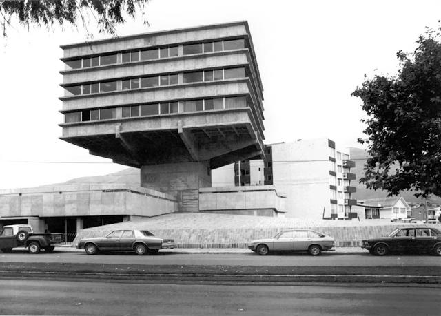 Arquitectura moderna en ecuador milton barrag n Arquitectura brutalista