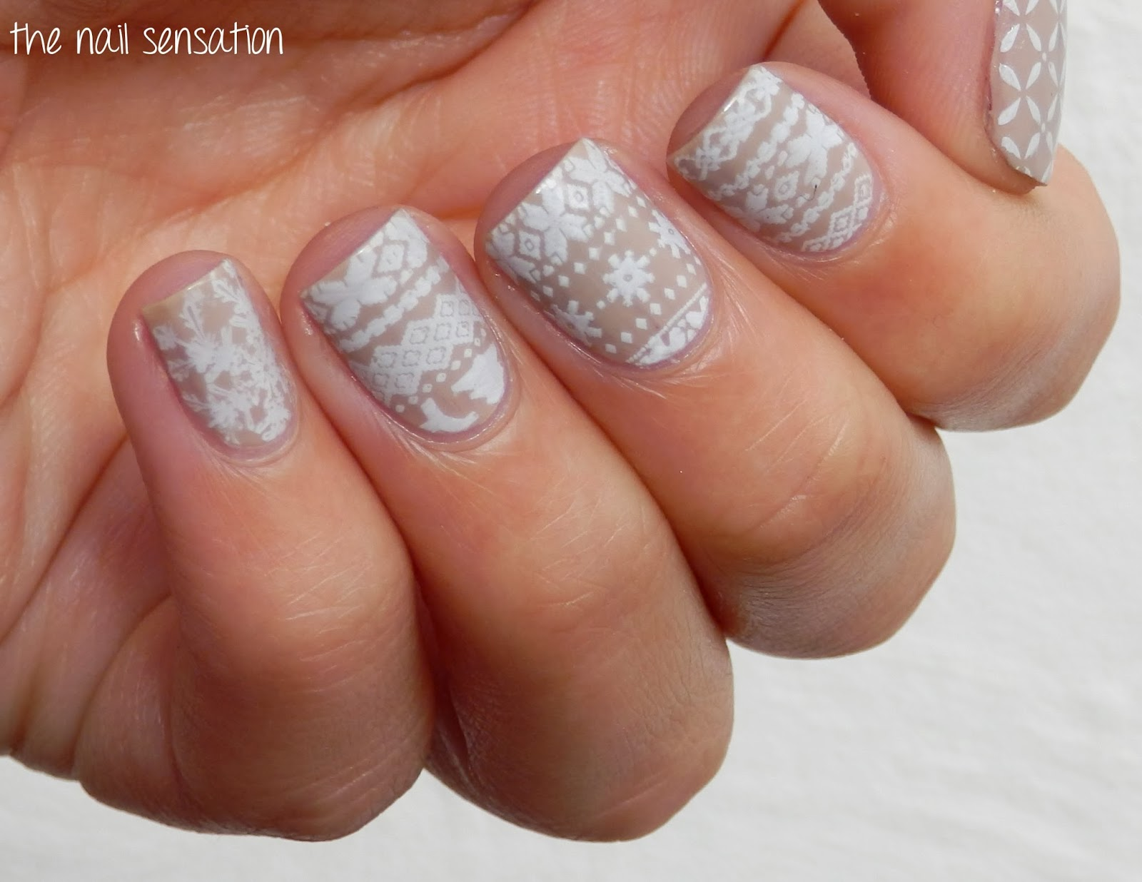 The nail sensation: Born Pretty Store week, Day 8: Stamping plate QA57